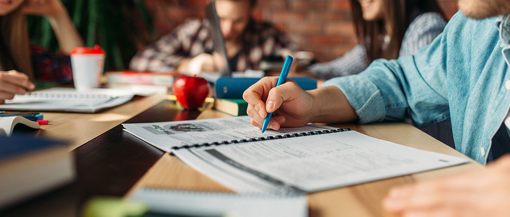 dele-preparation-course-spanish-lessons-quito-simon-bolivar-spanish-school-spanish-certification-exam